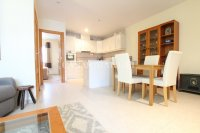 Exceptionally Spacious Townhouse With Guest Accommodation. (10)