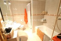 Exceptionally Spacious Townhouse With Guest Accommodation. (21)