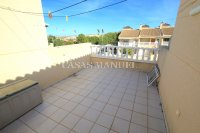 Exceptionally Spacious Townhouse With Guest Accommodation. (27)