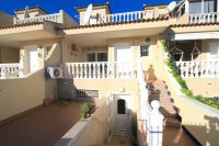 Exceptionally Spacious Townhouse With Guest Accommodation. (31)