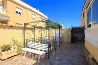 Bright and Spacious Property With Large Garden! (5)