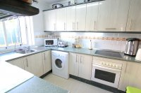 Bright and Spacious Property With Large Garden! (3)