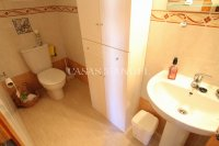 Bright and Spacious Property With Large Garden! (12)