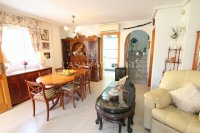 Bright and Spacious Property With Large Garden! (15)