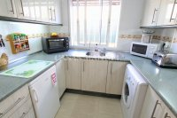 Bright and Spacious Property With Large Garden! (10)