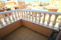 Bright and Spacious Property With Large Garden! (27)