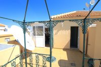 Bright and Spacious Property With Large Garden! (32)