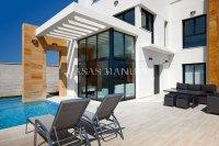 Stylish Detached Villas in Lomas de Cabo Roig! (1)
