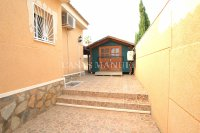 South-Facing Villa With Guest Apartment- Exclusive Surroundings  (27)