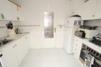 Sunny 2 Bed Ground Floor Apartment   (7)