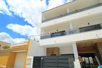 Luxury 4 Bed Village Townhouse With Garage - Key Ready!  (0)