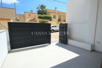 Luxury 4 Bed Village Townhouse With Garage - Key Ready!  (8)