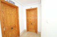 Wonderful South-Facing Apartment - Central Location! (5)