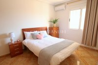 Wonderful South-Facing Apartment - Central Location! (4)