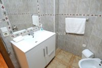 Wonderful South-Facing Apartment - Central Location! (9)