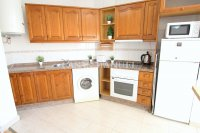 Wonderful South-Facing Apartment - Central Location! (13)