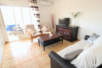 Wonderful South-Facing Apartment - Central Location! (12)