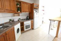 Wonderful South-Facing Apartment - Central Location! (14)