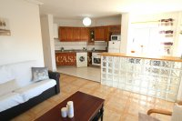Wonderful South-Facing Apartment - Central Location! (15)