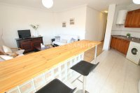 Wonderful South-Facing Apartment - Central Location! (16)