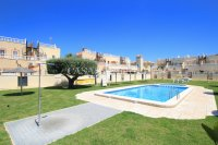 Roomy 2 Bed Apartment - Large 36sqm garden!  (4)