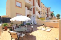 Roomy 2 Bed Apartment - Large 36sqm garden!  (0)
