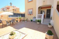Roomy 2 Bed Apartment - Large 36sqm garden!  (7)
