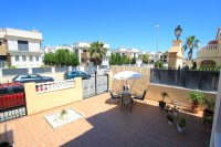 Roomy 2 Bed Apartment - Large 36sqm garden!  (9)