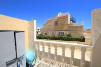 Roomy 2 Bed Apartment - Large 36sqm garden!  (25)
