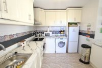 Roomy 2 Bed Apartment - Large 36sqm garden!  (16)