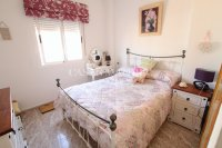 Roomy 2 Bed Apartment - Large 36sqm garden!  (3)