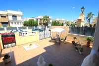 Roomy 2 Bed Apartment - Large 36sqm garden!  (5)