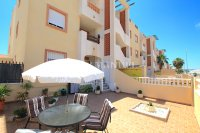 Roomy 2 Bed Apartment - Large 36sqm garden!  (8)