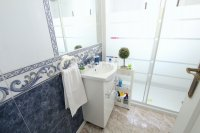 Roomy 2 Bed Apartment - Large 36sqm garden!  (20)