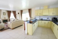 Charming 4 Bed Villa with Private Pool (12)