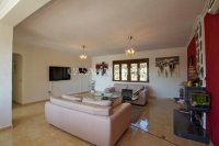 Los Balcones Villa with Double Garage and Self contained Apartment! (1)