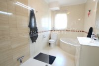 Fabulous 3 Bed End-Townhouse With Solarium - Rocio II  (17)