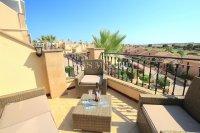 Superior 2 Bed Top-Floor Apartment - Golf Course Views!