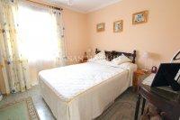 Charming 3 Bed / 3 Bath Villa With Pool + Garage (15)