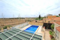 Charming 3 Bed / 3 Bath Villa With Pool + Garage (30)