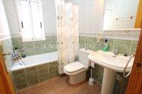 Splendid 3 Bed 2 Bath Semi-Detached Villa (18)