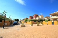 Fabulous 3 Bed Villa with Pool Views!  (5)