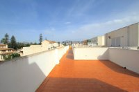Charming 2 Bed Apartment with Stunning Views! (16)