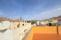 Charming 2 Bed Apartment with Stunning Views! (17)