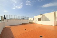 Charming 2 Bed Apartment with Stunning Views! (18)