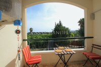 Charming 2 Bed Apartment with Stunning Views! (14)