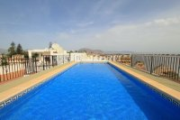 Charming 2 Bed Apartment with Stunning Views! (4)