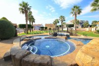 Stylish Semi-Detached Villa - Great Outdoor Space!  (4)