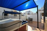 Stylish 3 Bed Townhouse with Designer Interior!  (7)