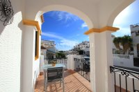 Stylish 3 Bed Townhouse with Designer Interior!  (9)